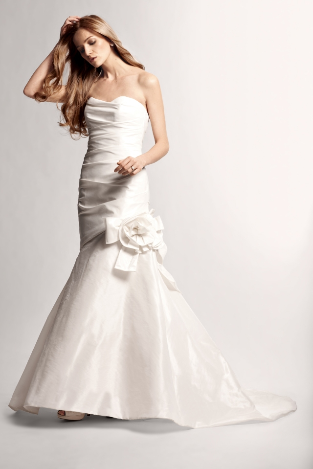 Wedding gown wednesday bridalista for Nouvelle amsale wedding dress