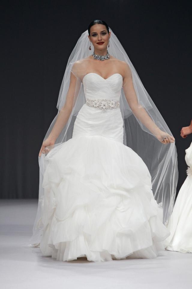 ANNE BARGE FW12 BRIDAL NEW YORK 10/16/2011
