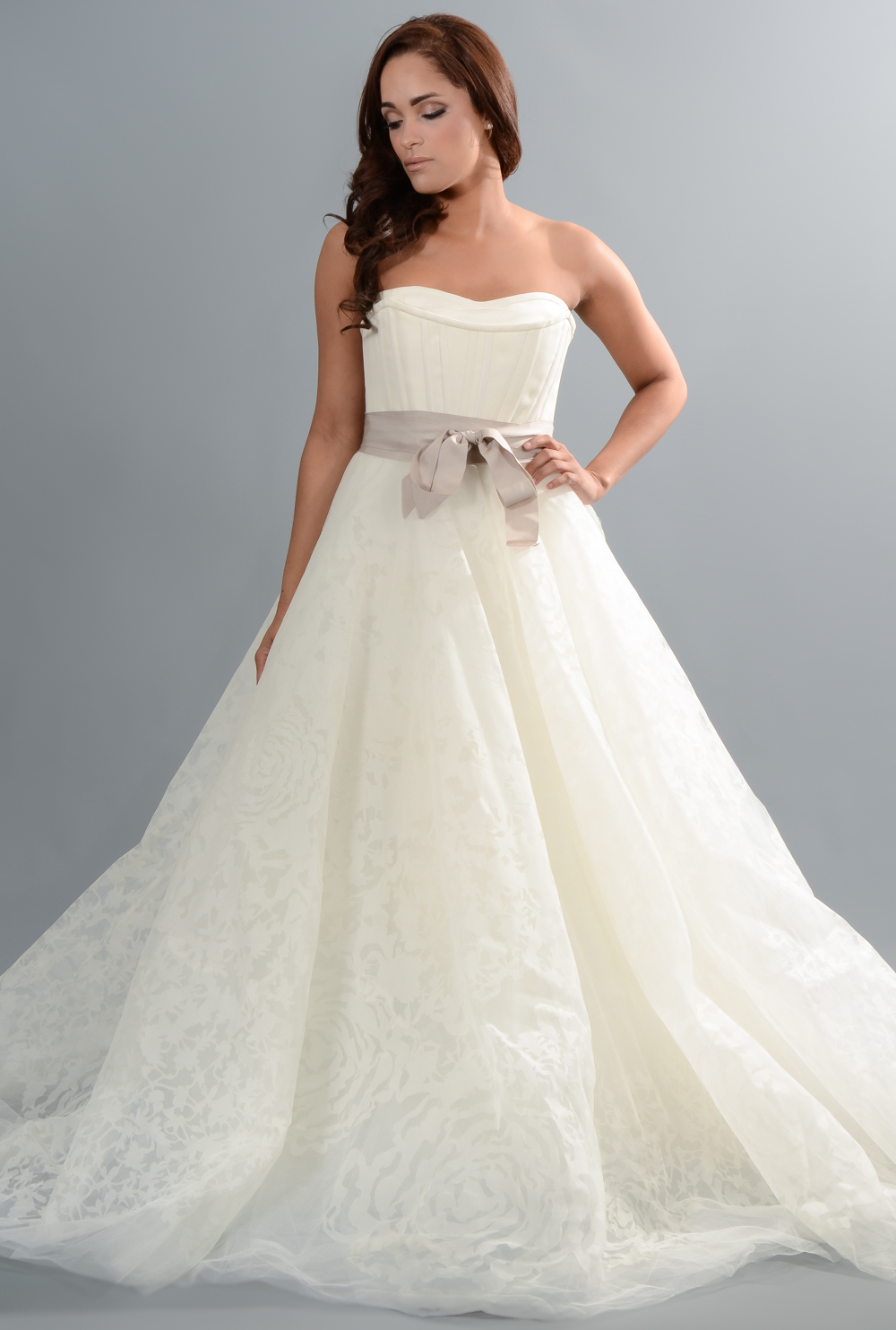Boston wedding vendor spotlight vows bridal outlet for Wedding dresses boston cheap